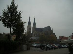 Eine große Kirche in Halberstadt, Sachsen-Anhalt, Land der Frühaufsteher