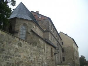 Hinter der Heinrich Heine Bibliothek