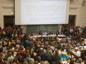 Diskussionen im Audimax der LMU mit dem bayerischen Wissenschaftsminister Heubisch