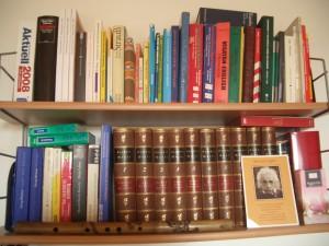 Literatur war mir schon immer sehr wichtig. Bücherempfehlungen werden hier in Zukunft auch erscheinen.