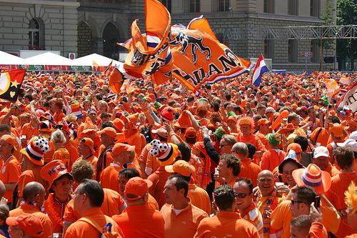 Niederlande gewinnt gegen Uruguay mit 3:2 und steht im WM Finale 2010