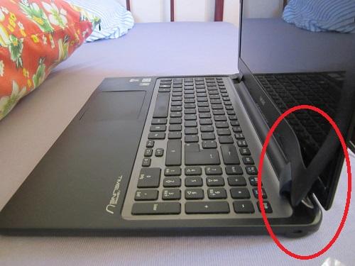 Die eine Seite des Bildschirms fängt an, sich zu wellen: bald muss ein neuer Laptop her!